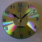 Поделки из CD-дисков своими руками: делаем оригинальные часы
