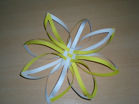 Объемные снежинки из бумаги