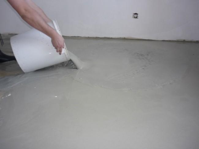 Как сделать наливной пол своими руками?