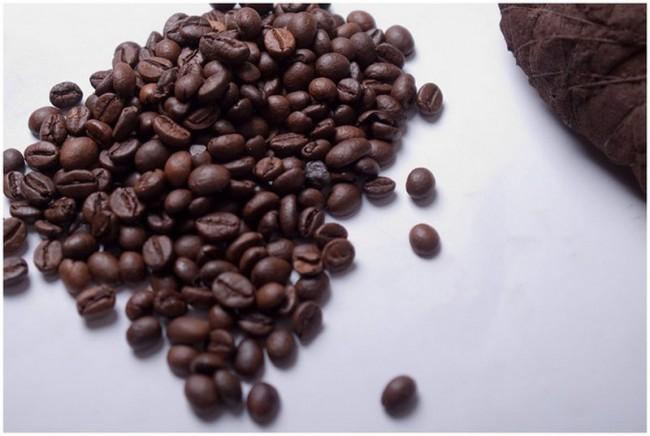 Сердечко из кофейных зерен с тайником