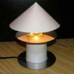 Простая настольная лампа для работы за компьютером своими руками