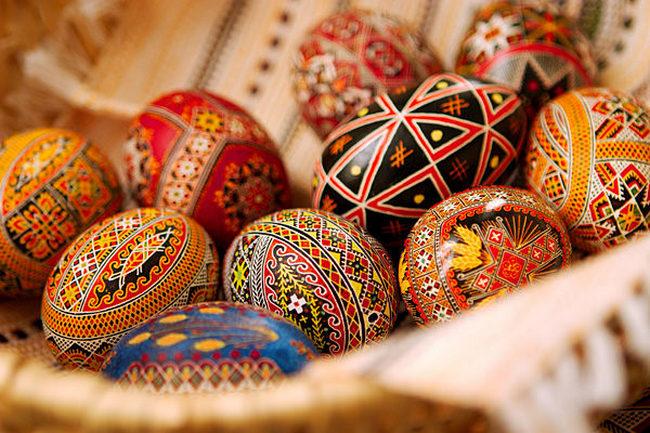 Как украсить яйца к Пасхе?