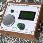 Простой многофункциональный НЧ генератор DDS на микропроцессоре с низким искажением